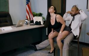 Brazzers - Thick Mounds at College -..