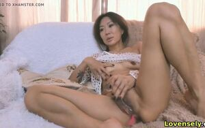 Mature japanese gal having joy on cam