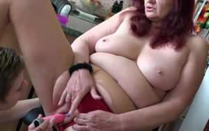 OLDNANNY mature and young woman lezzies