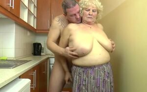 Huge-chested Hungarian Grannie Kitti..