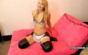 dirtylittleholly - Messy Maid Joi..
