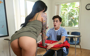 Cougar - Ultra-kinky Guy Gets..